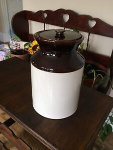 Albenakis handcrafted stoneware crock with lid