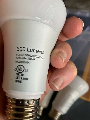 Philips Hue White and Color Ambiance 1-Pack A19 LED Smart Bulb - Used