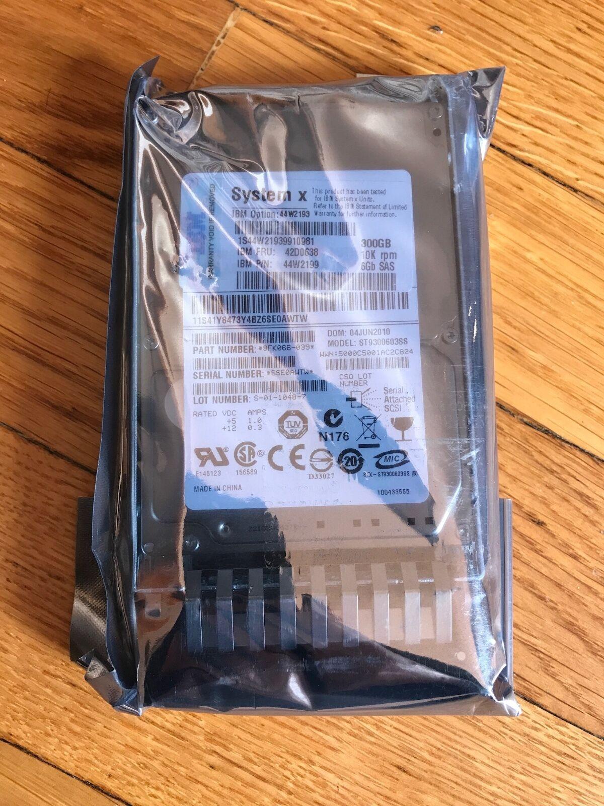 DISCO RIGIDO 10K 2.5-inch HDD per DS3 IBM 300GB 10,000 rpm 6Gb SAS ST9300603SS