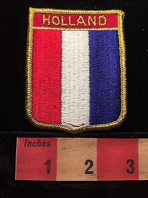 BENELUX Nation Patch HOLLAND (Vertical Flag Theme) Netherlands 64CC