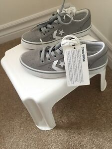 New converse shoes (kids)