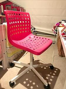 Brand new 2 kids chairs blue/pink Wollstonecraft North Sydney Area Preview