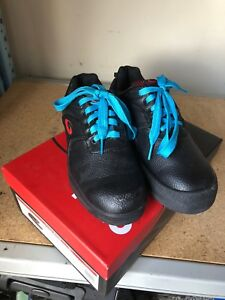 Women's curling shoe size 7