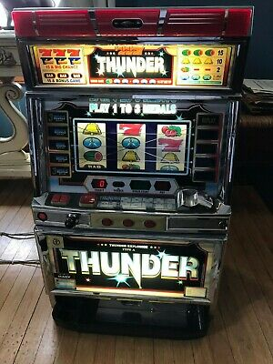 TOKEN PACHISLO THUNDER SLOT MACHINE w/  Tokens made in japan