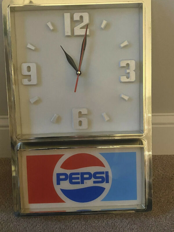 VINTAGE 1970s PEPSI COLA ADVERTISING CLOCK  ELECTRIC - WORKS!