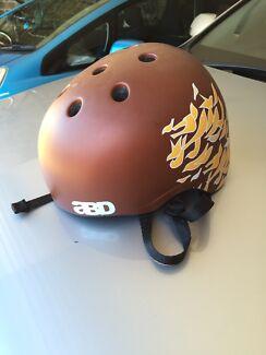 Skate helmet Bonner Gungahlin Area Preview