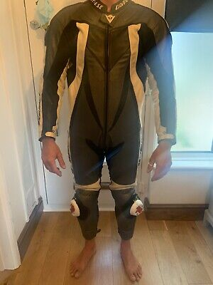 Men's Dainese 1 Piece motorcycle Motorbike Leather Suit size 50 Protective Pads
