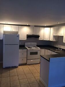 Available Now! 2-bedroom located off Vanier Parkway