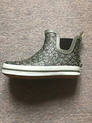 Kamik Black size UK 4 (US6) Shelly lo insulated ankle wellie