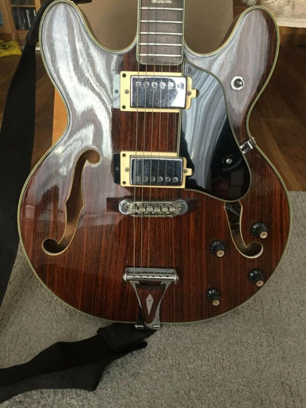 UNIVOX COILY Guitar