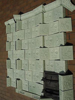 die Ofenkacheln von einem antiken Kachelofen Jugendstil  E. Teichert in Meissen