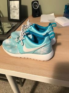 Special edition Nike's! Winter snowflake light blue! Mint condit