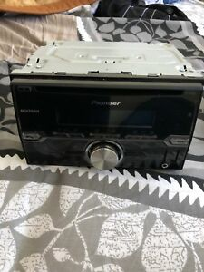 Pioneer double din player - Great working condition