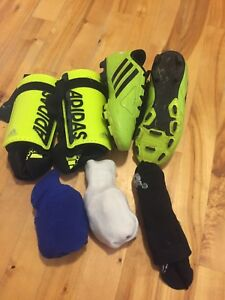 Adidas size 1 soccer cleats