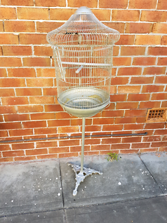 Vintage style bird cage wobbles on the base so needs tlc