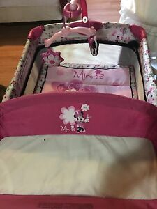 Minni mouse play pen