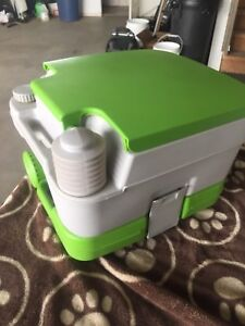 portable toilet 2.5 Gallon never used