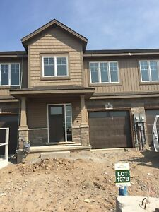 Townhouse for rent in thorold