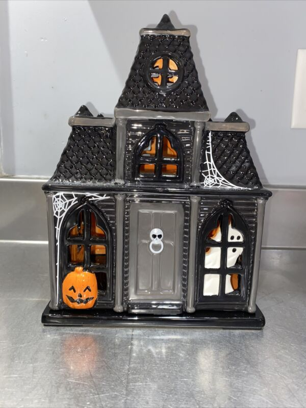 Bath and Body Works Slatkin & Co 2010 Haunted House Candle Luminary NIB