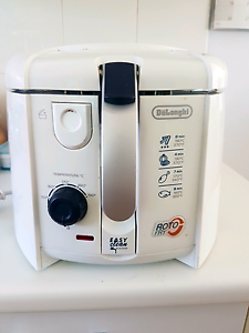 Delonghi Deep Fryer Caringbah Sutherland Area Preview