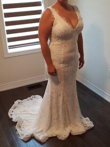 Lace Wedding Dress (size 12-14)