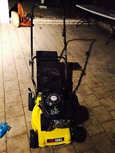 Lawn mower 4 stroke nearly new Mill Park Whittlesea Area Preview