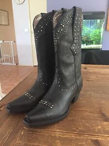 ariat boots in Melbourne Region, VIC | Women's Shoes | Gumtree ...