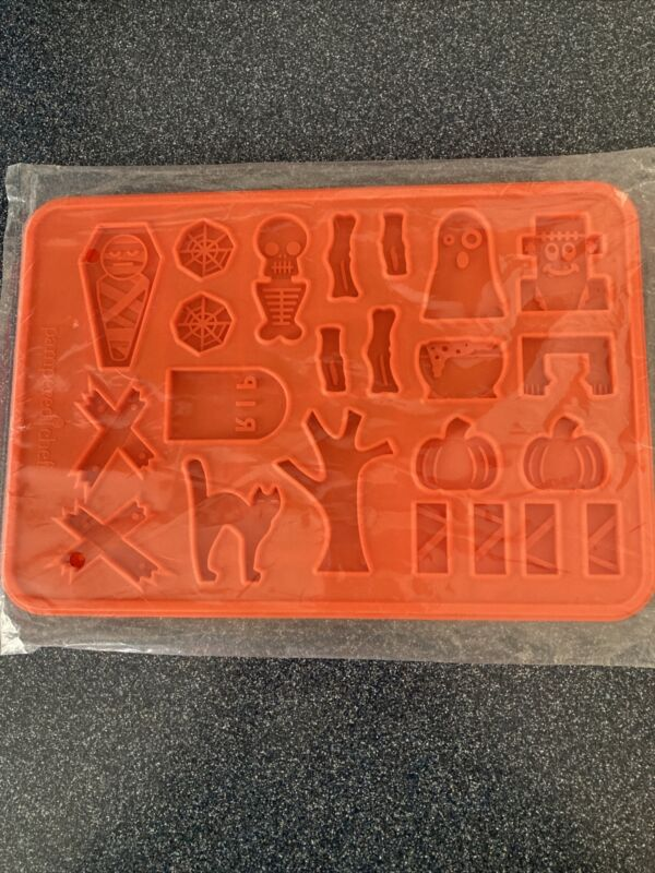Pampered Chef Halloween Cookie Mold Silicone Oven Safe #100135 New Sealed