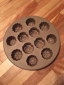 Pampered Chef muffin pan