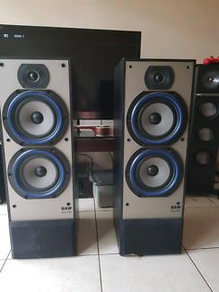 B&W DM330 stereo speakers