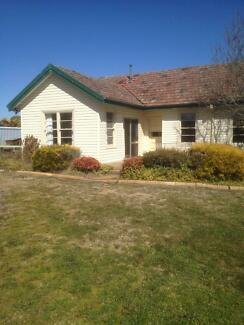 2Bedroom country cottage Bywong Queanbeyan Area Preview