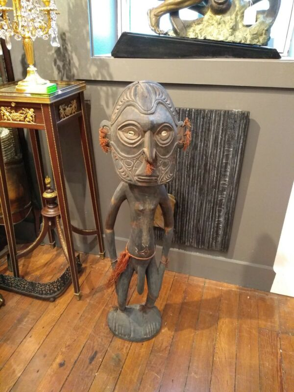 Large Old or Antique Tribal  New Guinea Wood Carving Sculpture