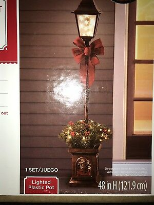 Christmas 4' Pre-Lit Victorian Lamp Post Winter Holiday Decoration NIB