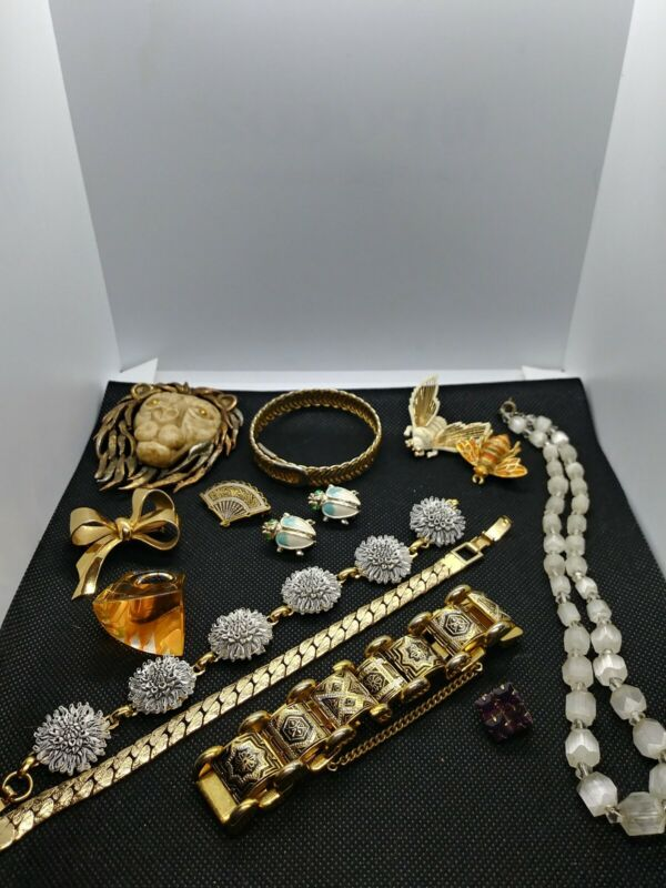 Vintage Jewelry Lot Coro Razza Monet Lucite. 14 pieces Signed and unsigned