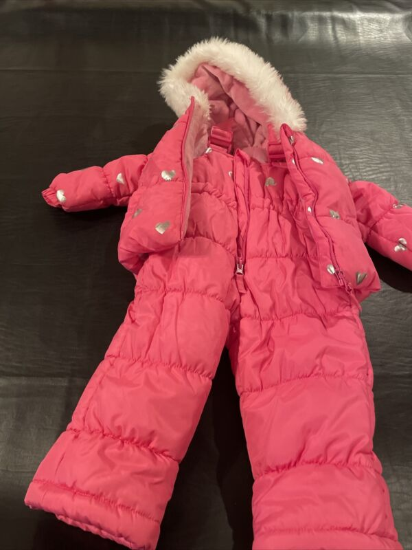 Two Piece Baby Snow Suit 12M Pink With Hearts NWOT (012)
