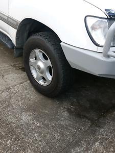 Toyota lancruiser alloy wheels 100 series Huonville Huon Valley Preview