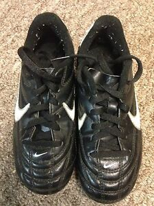 Children's cleats, size 11