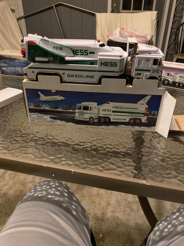 Hess Toy Truck And Space Shuttle With Satellite 1999 100 Percent Working Order