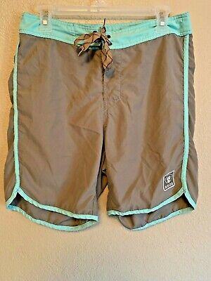 HOWLER BROS Men's Board Shorts Size 31