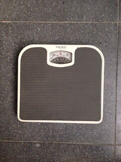 Weight scale St Leonards Willoughby Area Preview