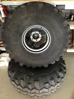 Super Swampers 15/39.5-15LT Rims & Tyres.