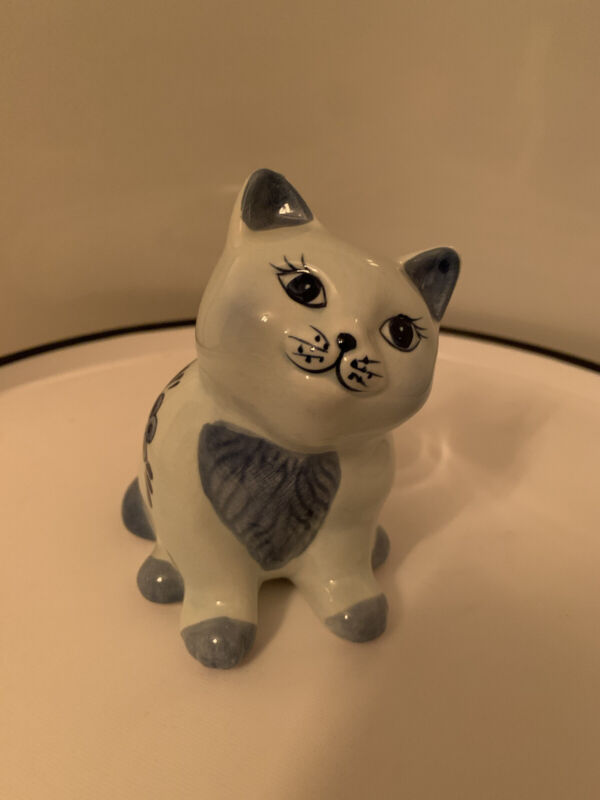 Delft Ceramic Kitty Cat Piggy Bank Figurine Blue White Hand-Painted Holland DAIC