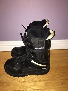 Firefly snowboard boots youth size 6 $40