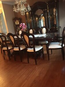 DINING ROOM FURNITURE SET-like new!!