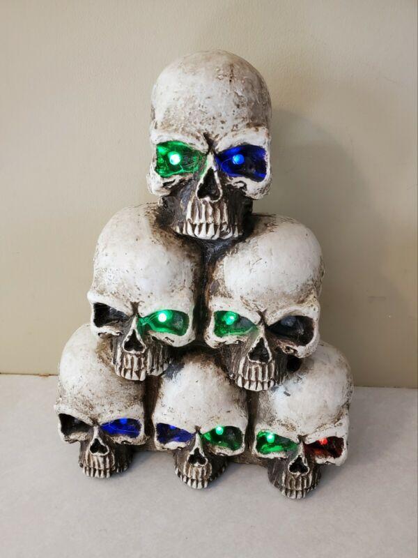 "11"" Lighted Sound Resin Stack Of Skulls Halloween Decor New"