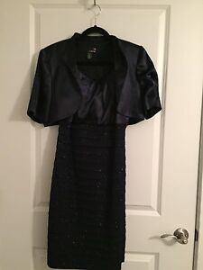 Size 12 Navy Blue Formal Dress from Laura with matching clutch St. John's Newfoundland image 2