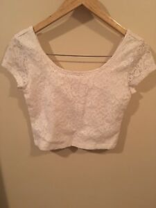 White Lace crop-top