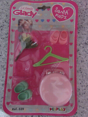 VINTAGE DELPLAY LA FAMILLE GLADY SONIA MODE DOLL ACCESSORY PACK LOT 2 NEW OLD ST