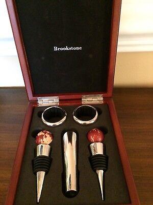BROOKSTONE  5 Pieces Wine Accessories