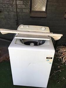 Free washer! Sunshine North Brimbank Area Preview